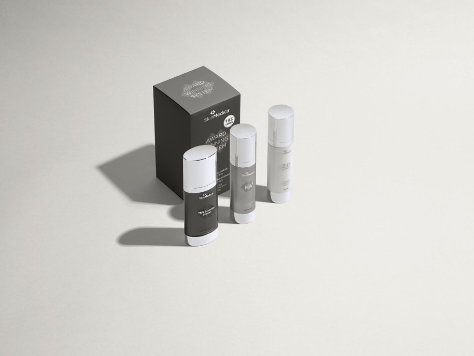 Skin medica products long shadow - Cosmetics photography