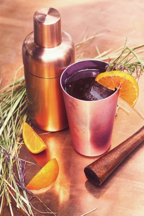 Cocktail drink preparation with copper mixed