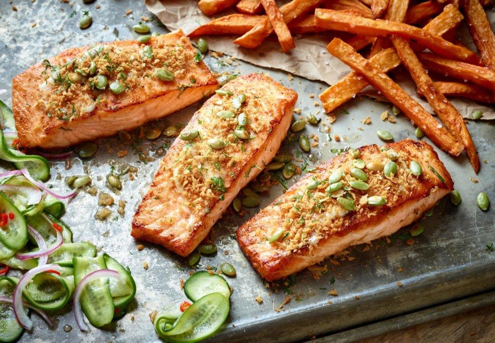 Roasted salmon with sweet potato fries