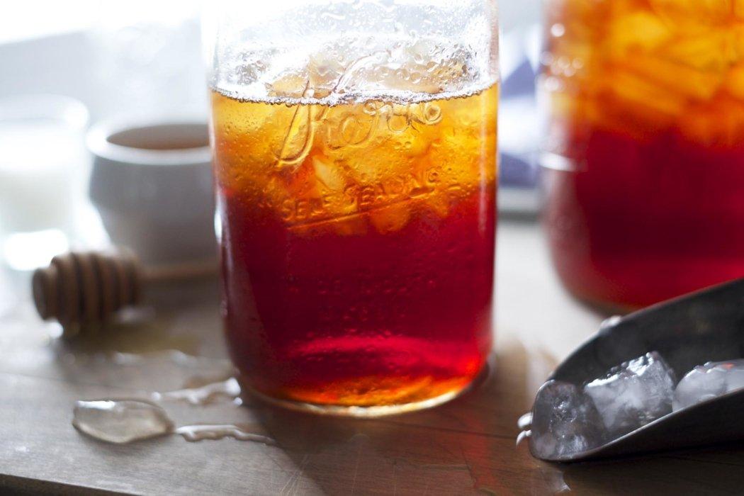 Ice tea in a mason jar