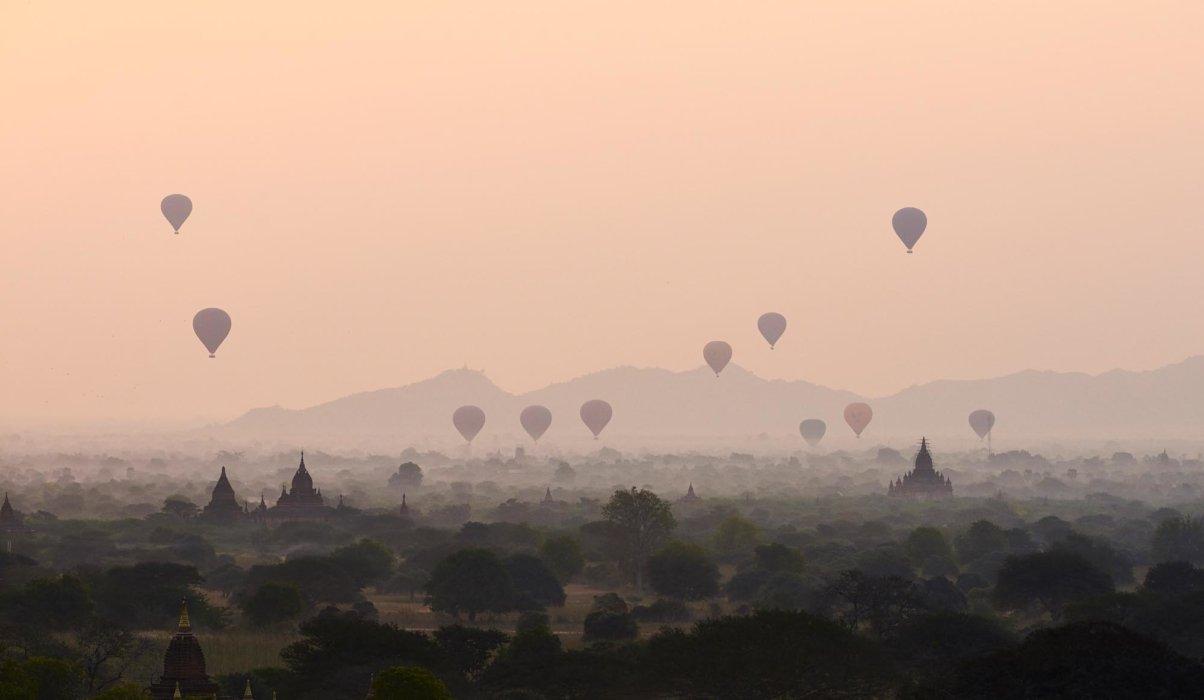 Travel photo of hot air balloons