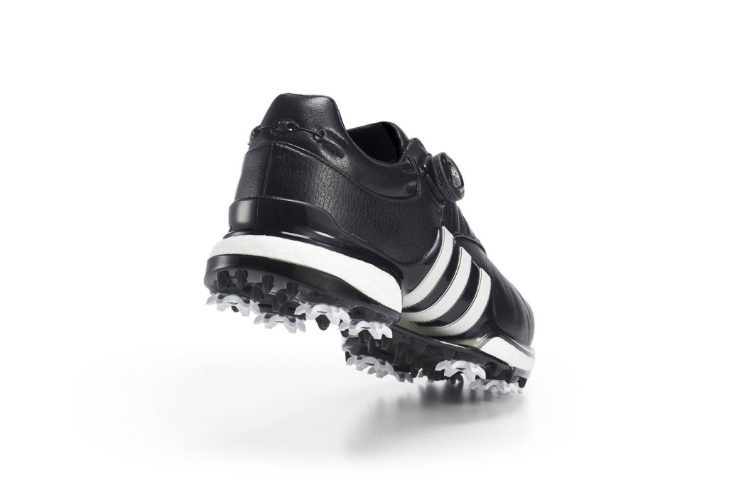 Product photography - black shoes with BOA running system