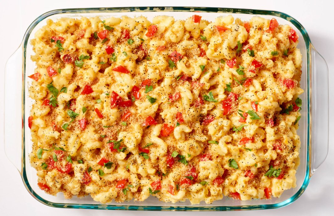 Pyrex filled dish with macaroni and cheese - food styling