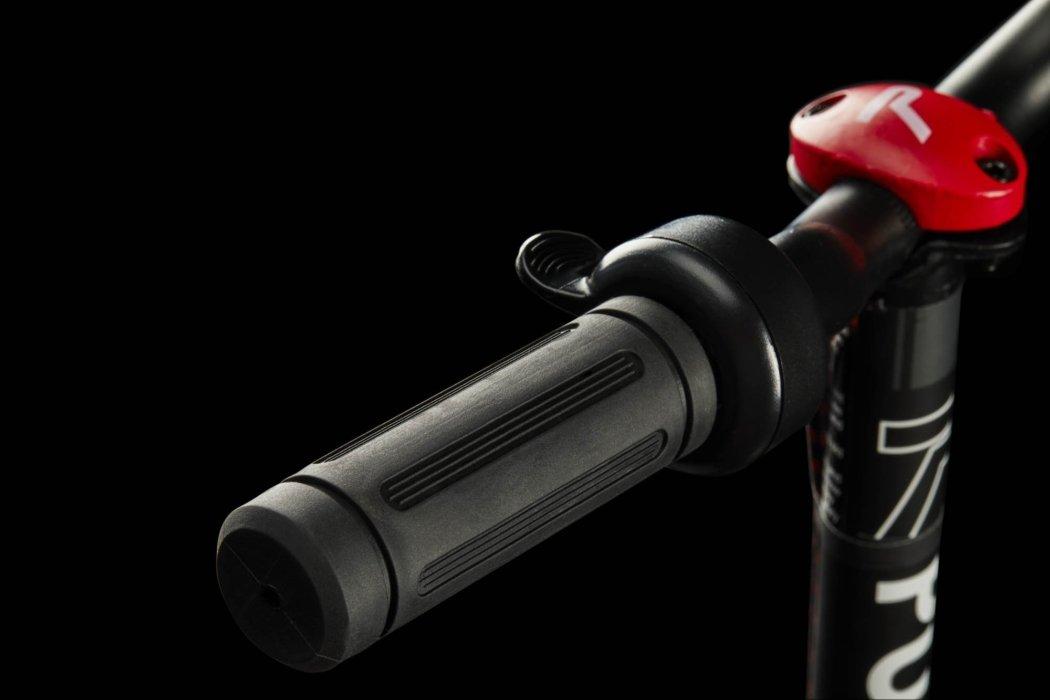 handlebars rubber slick scooter