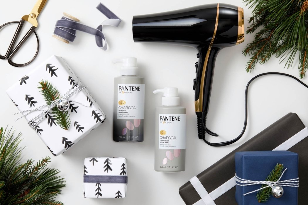 Product photography flat lay for Christmas beauty gifts - social media photography