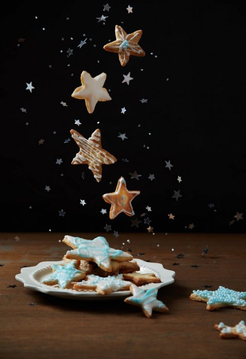 Falling magical chirstmas cookies - food photography