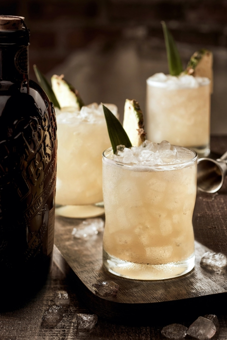 Cockatils with a tan color - cocktail photography