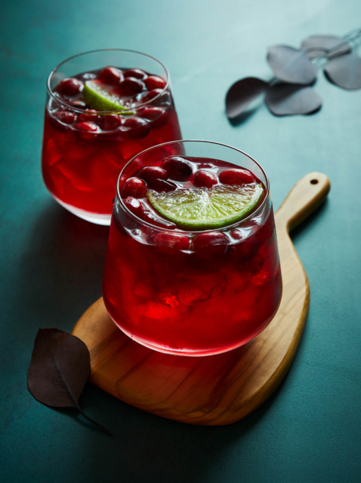 cranberry and lime cocktails - bright modern fresh drink photography