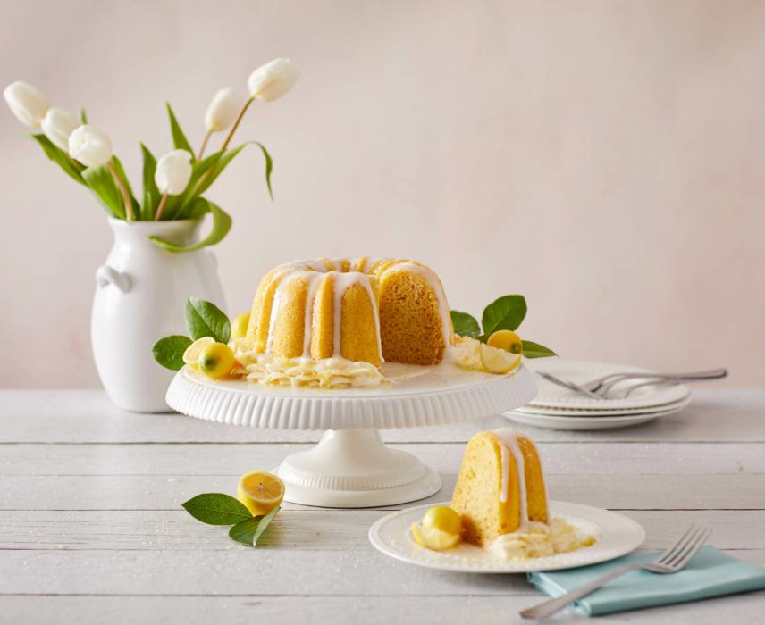 Food photography, lemon pound cake.